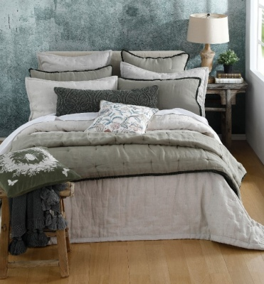 Laundered Linen Natural Queen Bedspread Set