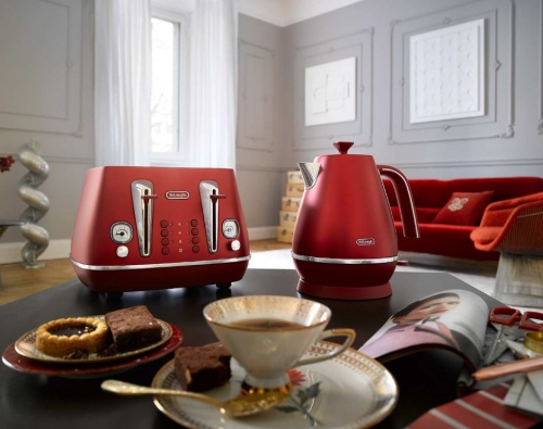 Delonghi Distinta Flair Kettle Red