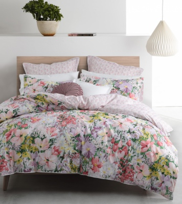 L&M Liberty Bloom Queen Duvet Cover Set